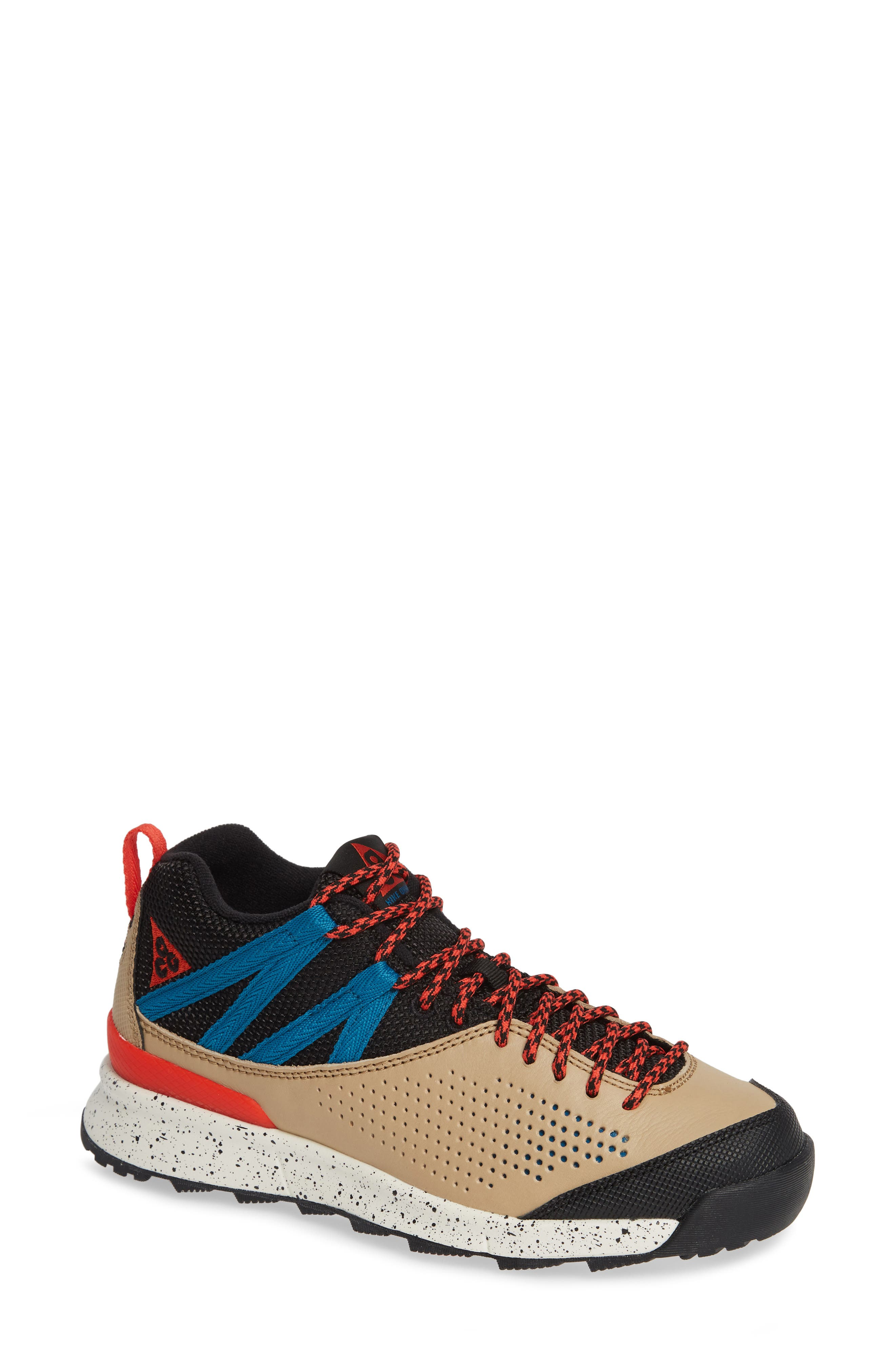 Nike Okwahn II Hiking Shoe (Unisex