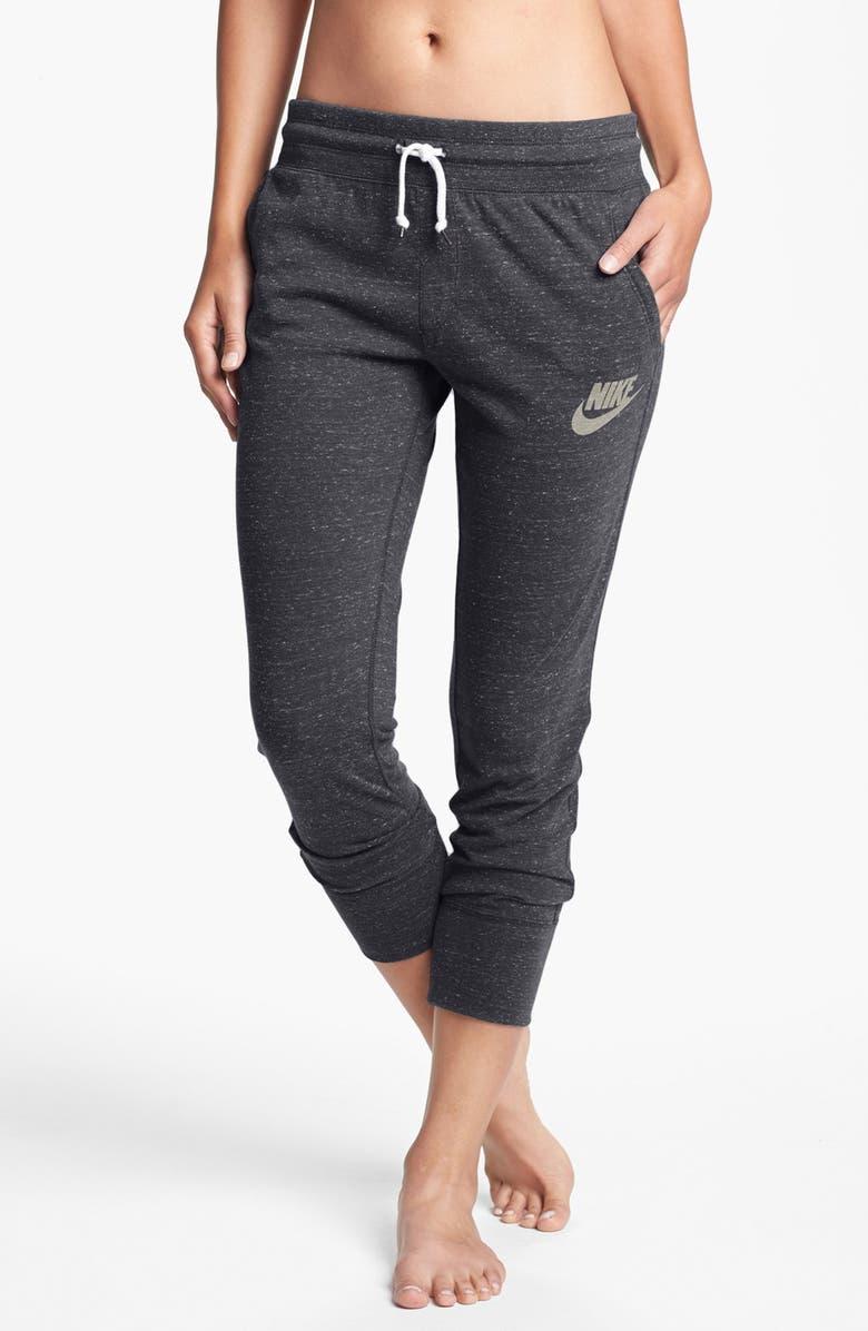 616f5e568c307 'Gym Vintage' Capri Pants