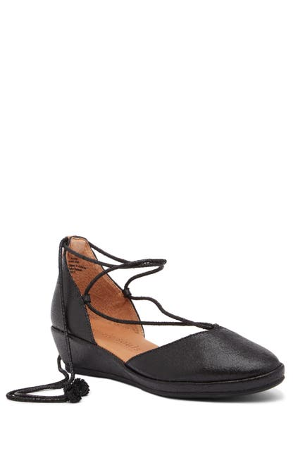 Image of Gentle Souls by Kenneth Cole Nerissa Ghillie Demi Wedge Flat