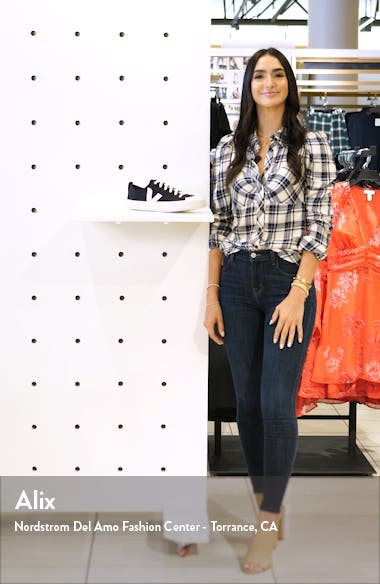 Nova Sneaker, sales video thumbnail