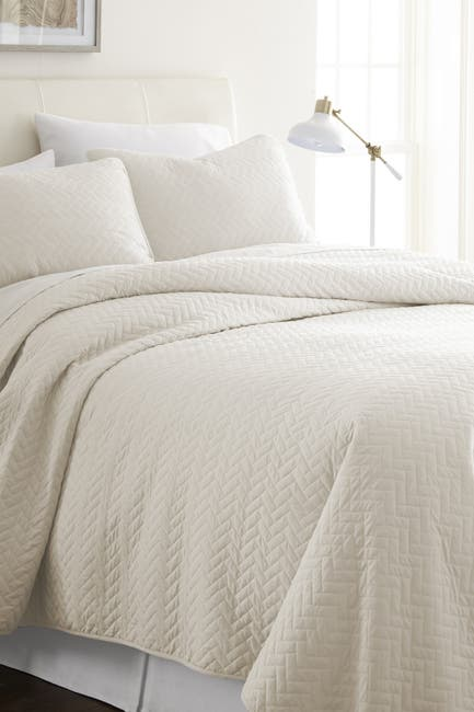 Image of IENJOY HOME Home Spun Premium Ultra Soft Herring Pattern Quilted Full/Queen Coverlet Set - Ivory