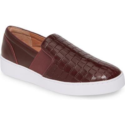 Vionic Demetra Sneaker- Burgundy