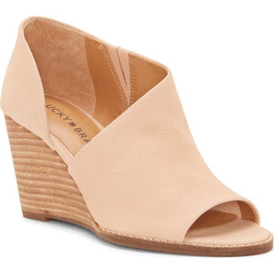 Lucky Brand Jaxy Open Toe Wedge, Beige