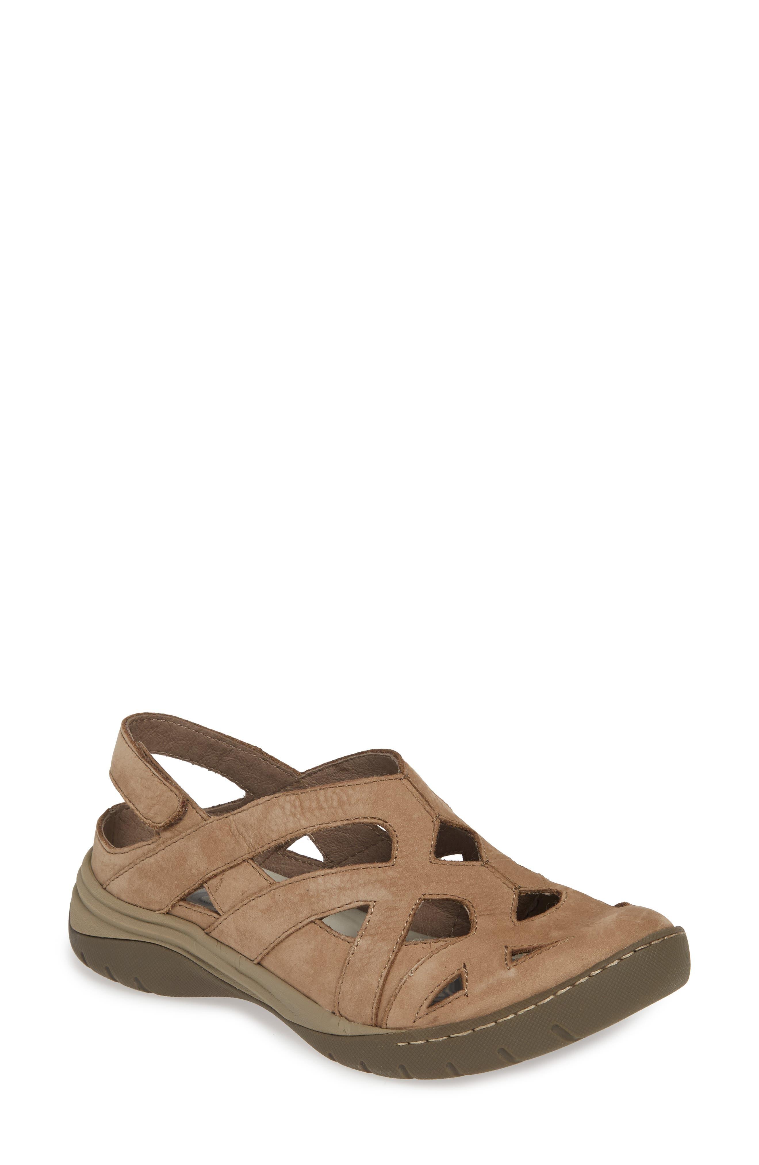 Women's Bionica Maclean 2 Sandal, Size 8.5 M - Beige