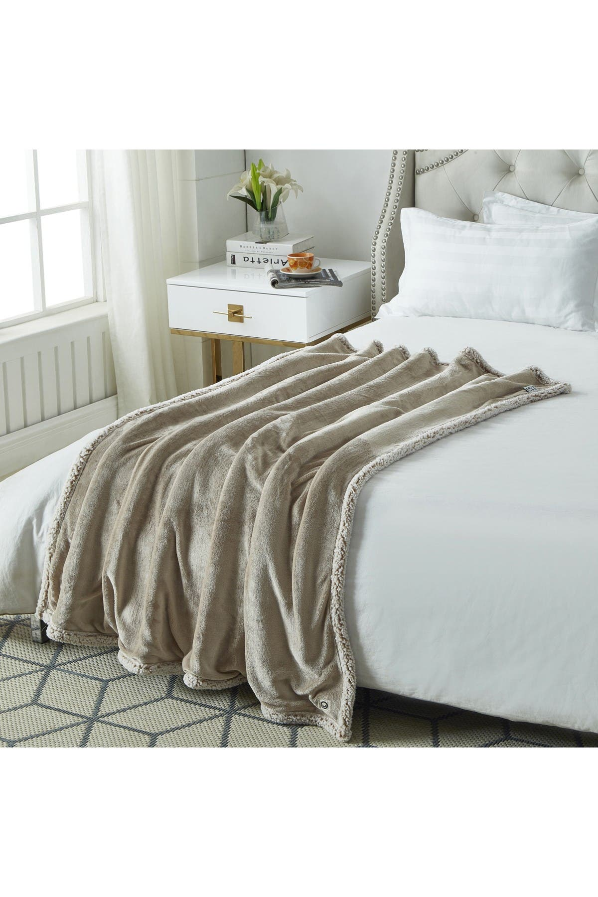 "Image of Inspired Home Cozy Tyme Saleem Flannel Reversible Faux Shearling Throw 50"" x 60"" - Taupe"