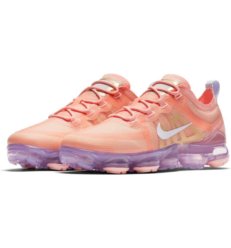 NIKE Air VaporMax 2019 Sneaker, Main, color, BLEACHED CORAL/ AMETHYST TINT