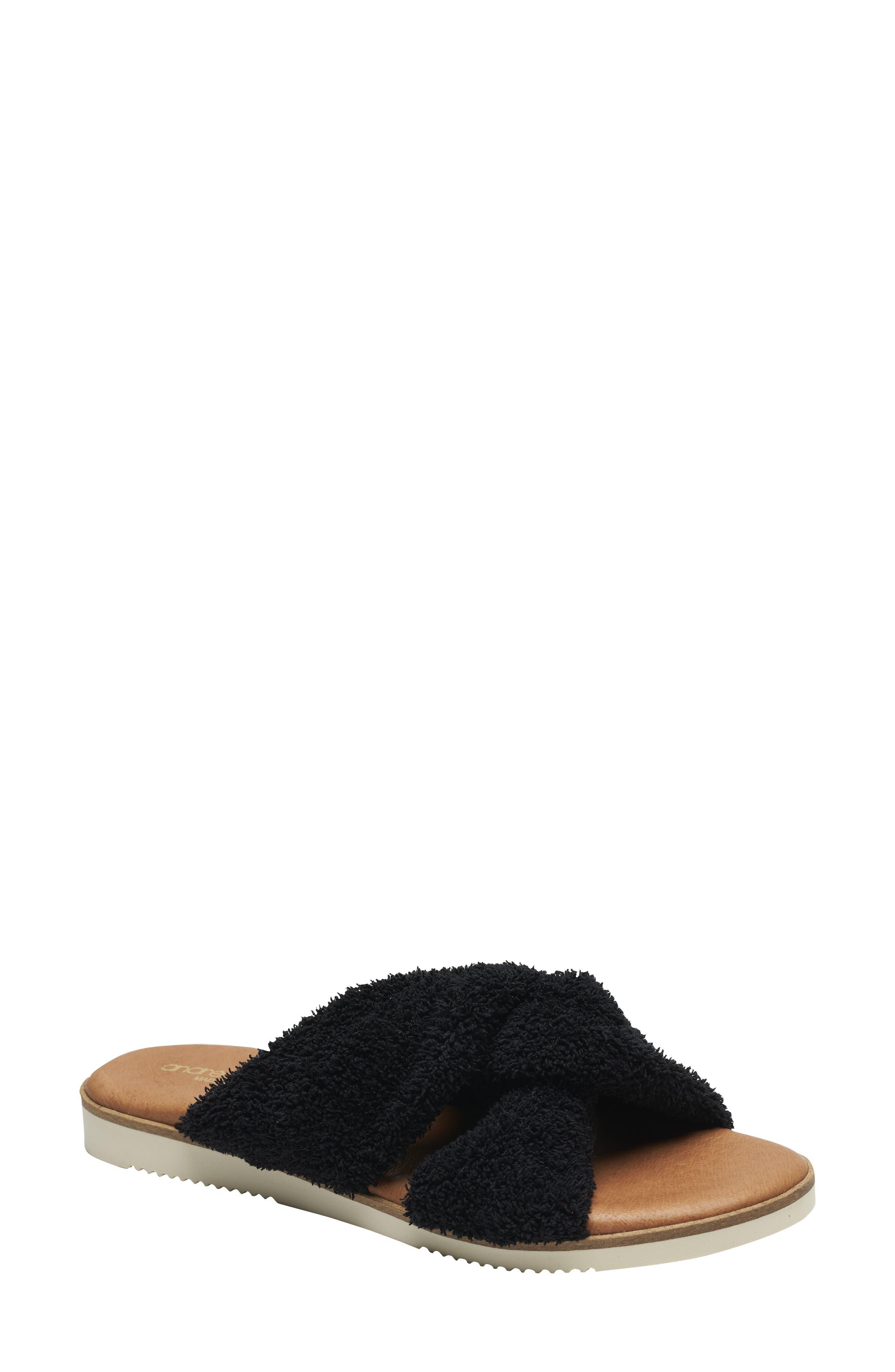 Tristan Slide Sandal
