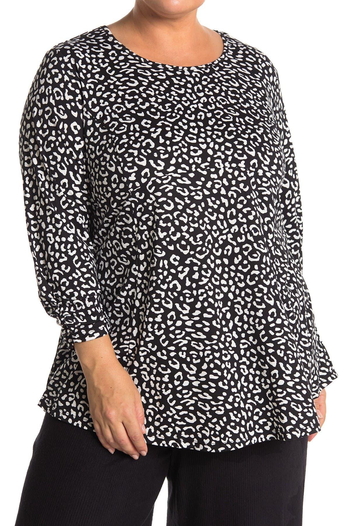 Image of Bobeau Patterned 3/4 Sleeve Babydoll Top