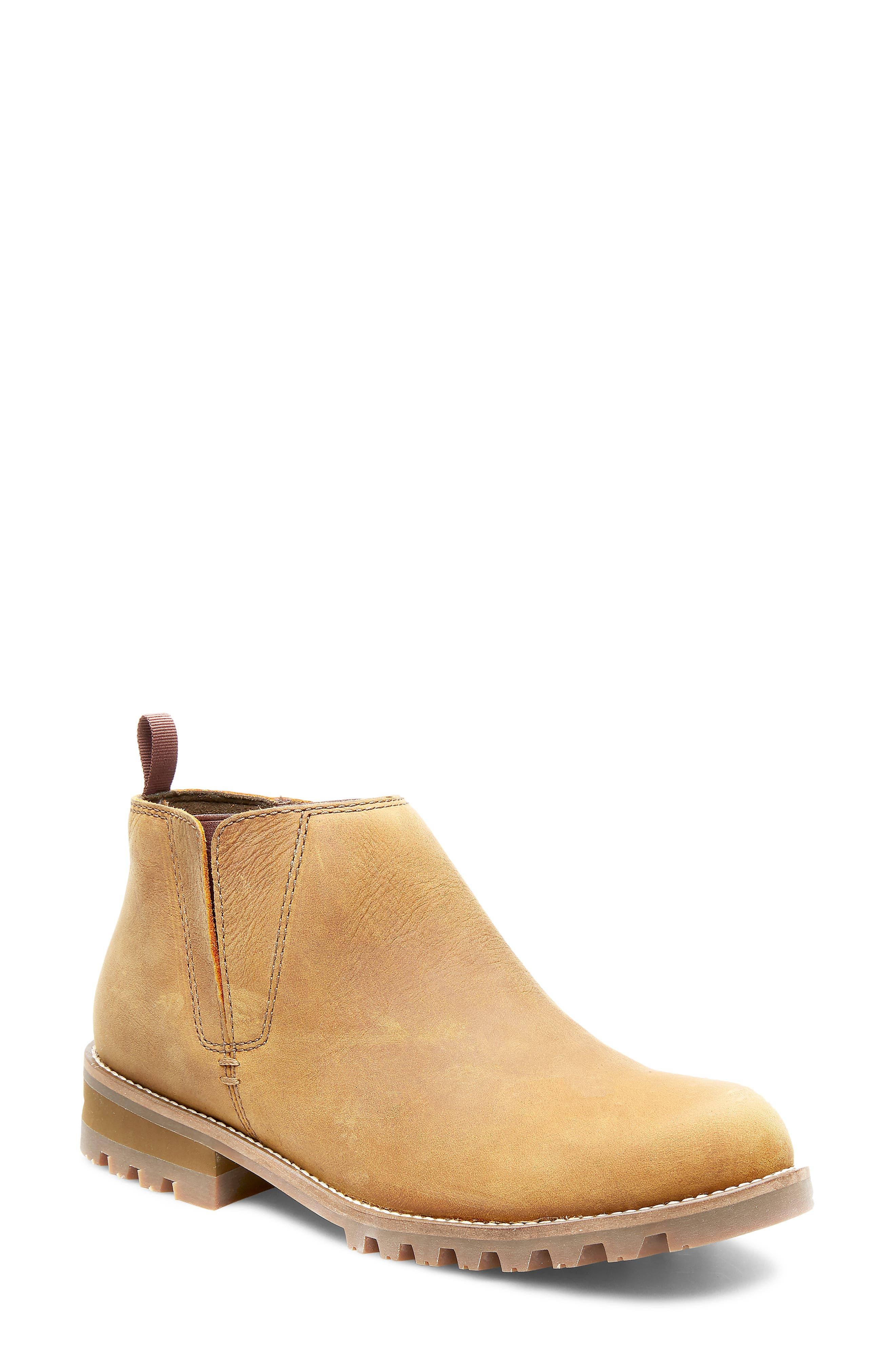 Peyto Waterproof Chelsea Boot