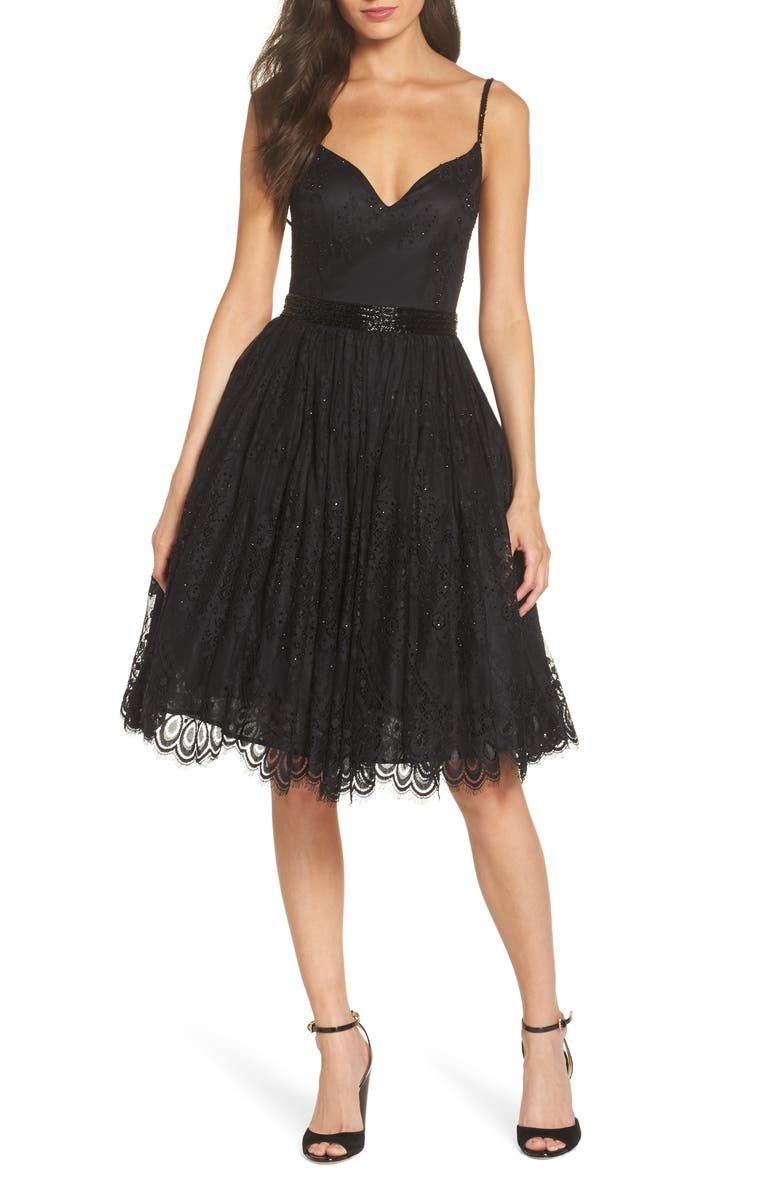 MAC DUGGAL Sweetheart Neck Lace Party Dress, Main, color, BLACK