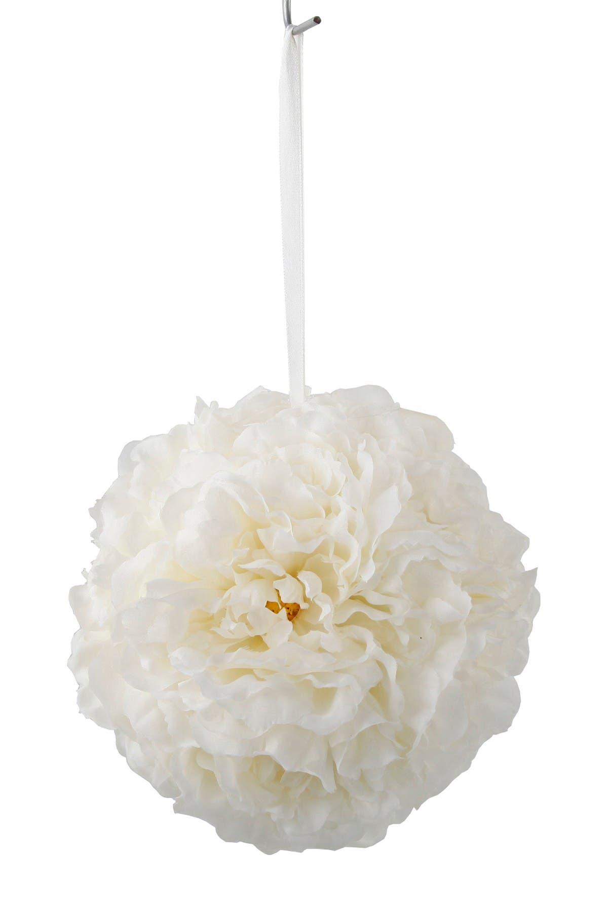 Image of FLORA BUNDA Cream Kissing Ball