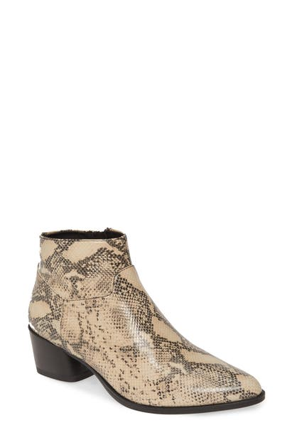 Vagabond Shoemakers Lara Bootie In Sand/ Black Leather
