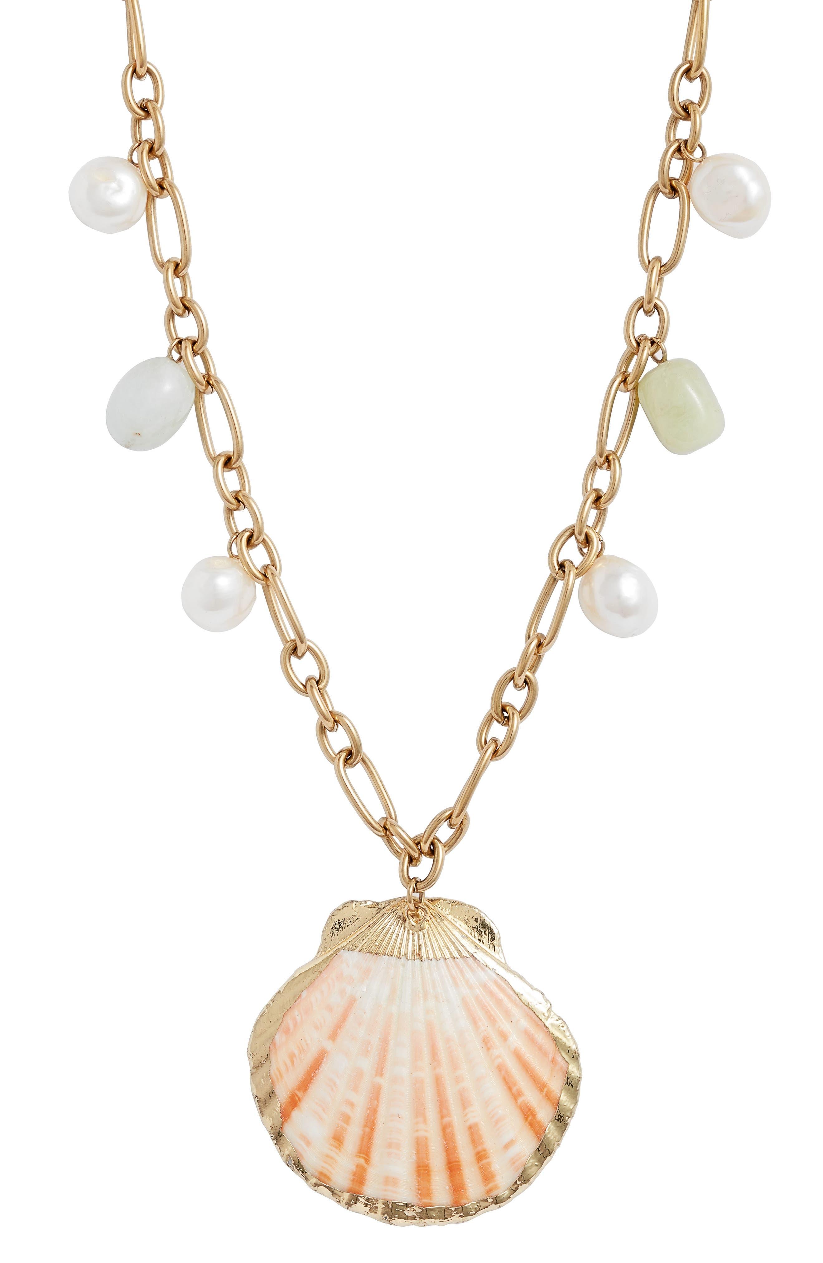 Shells Pendant Necklace