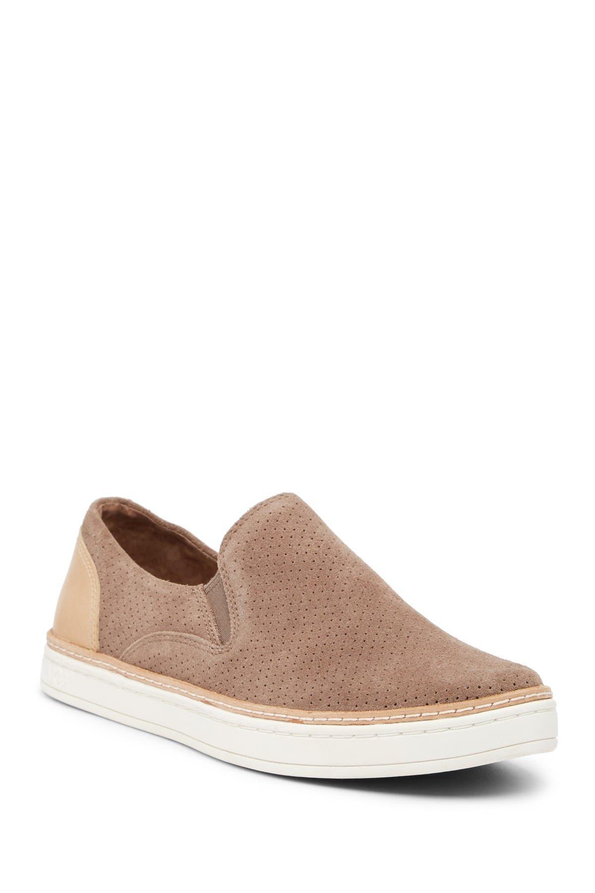 UGG   (R) Adley Slip-On Sneaker