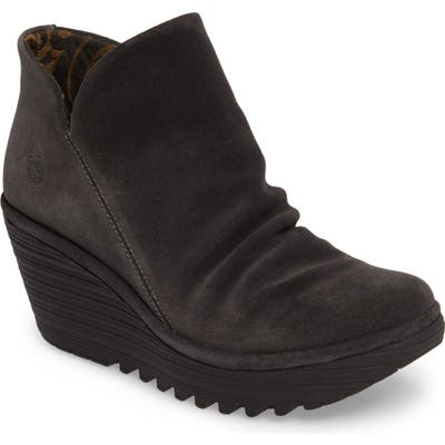 Fly London Yip Wedge Bootie,8.5 W - Black