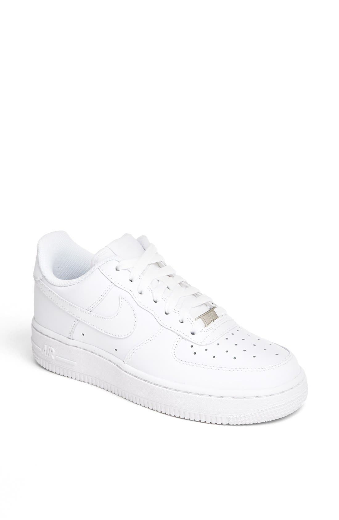 UPC 883412735315 Women's Air Force 1 Low Basketball Shoes