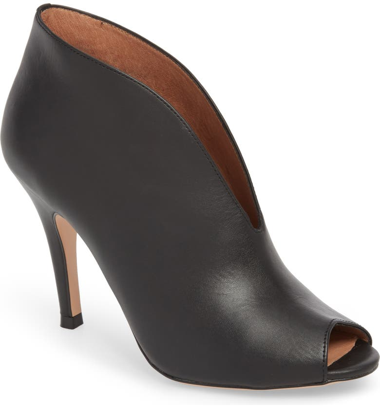 HALOGEN<SUP>®</SUP> Rowen Bootie, Main, color, BLACK LEATHER