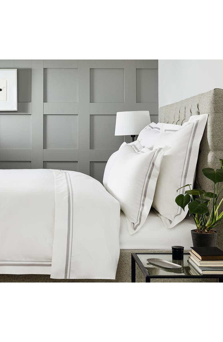 THE WHITE COMPANY Cavendish 800 Thread Count Egyptian Cotton Flat Sheet, Main, color, WHITE/ MINK