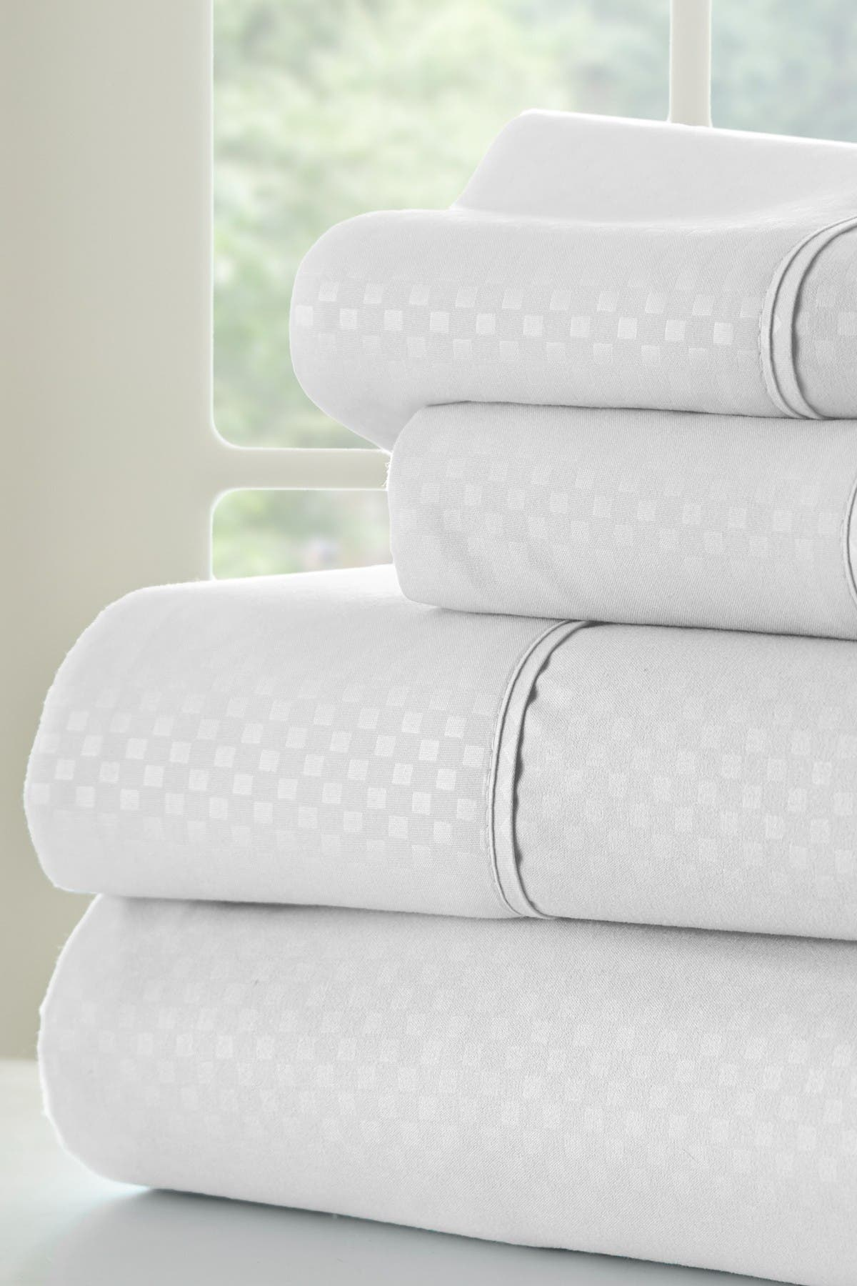 Image of IENJOY HOME California King Hotel Collection Premium Ultra Soft 4-Piece Checkered Bed Sheet Set - White