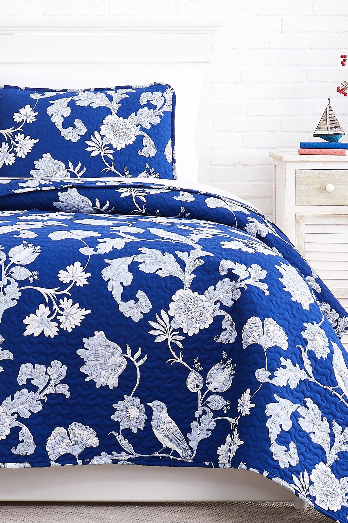 Image of SOUTHSHORE FINE LINENS Premium Collection Oversized Quilt 3-Piece Set - King/California King