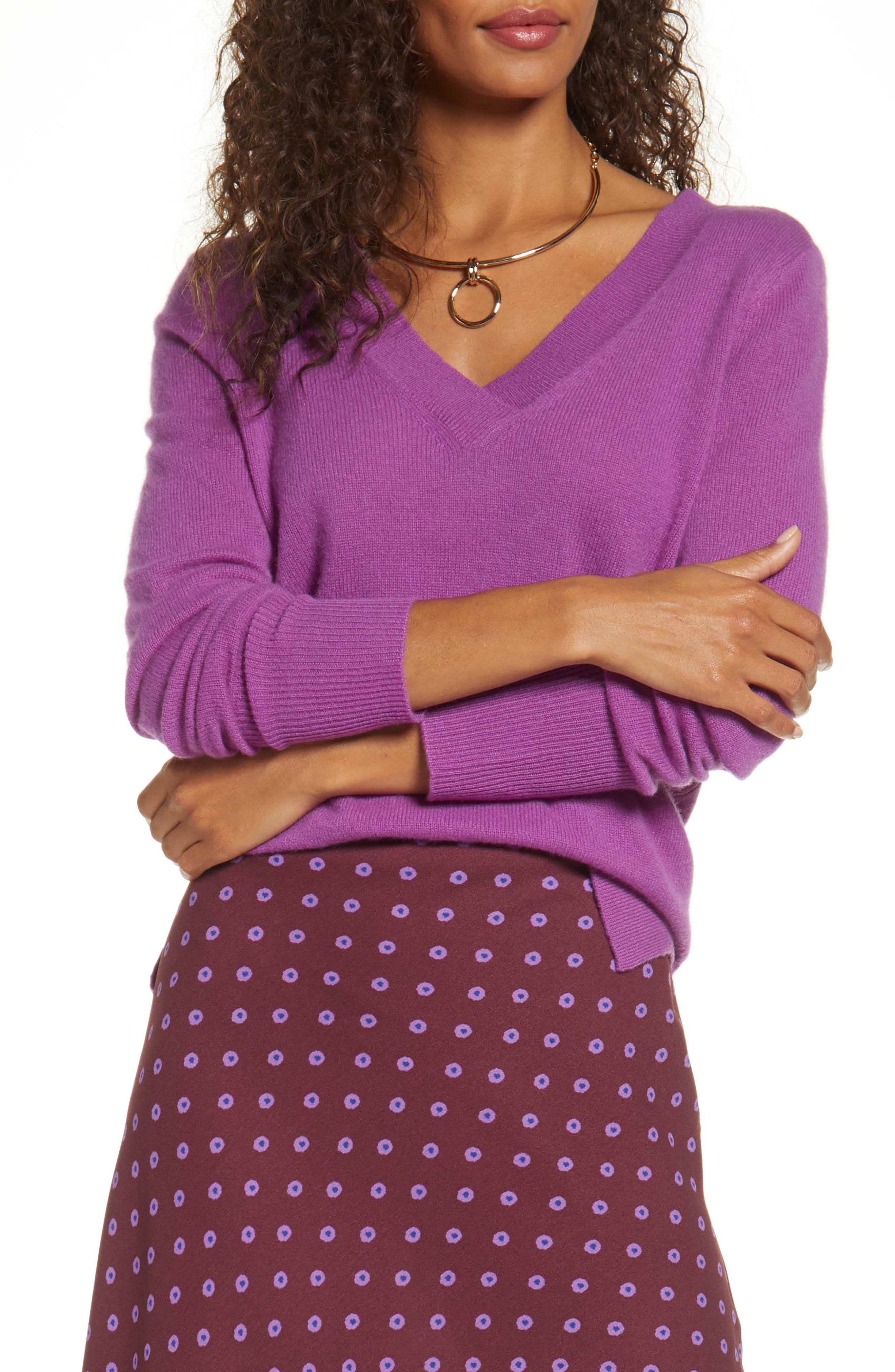 Halogen® V-Neck Cashmere Sweater