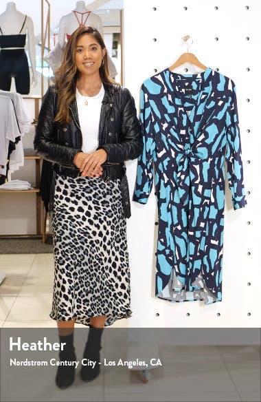 Vivid Giraffe Print Long Sleeve Shirtdress, sales video thumbnail