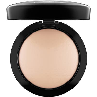 MAC Mineralize Skinfinish Natural - Light Plus