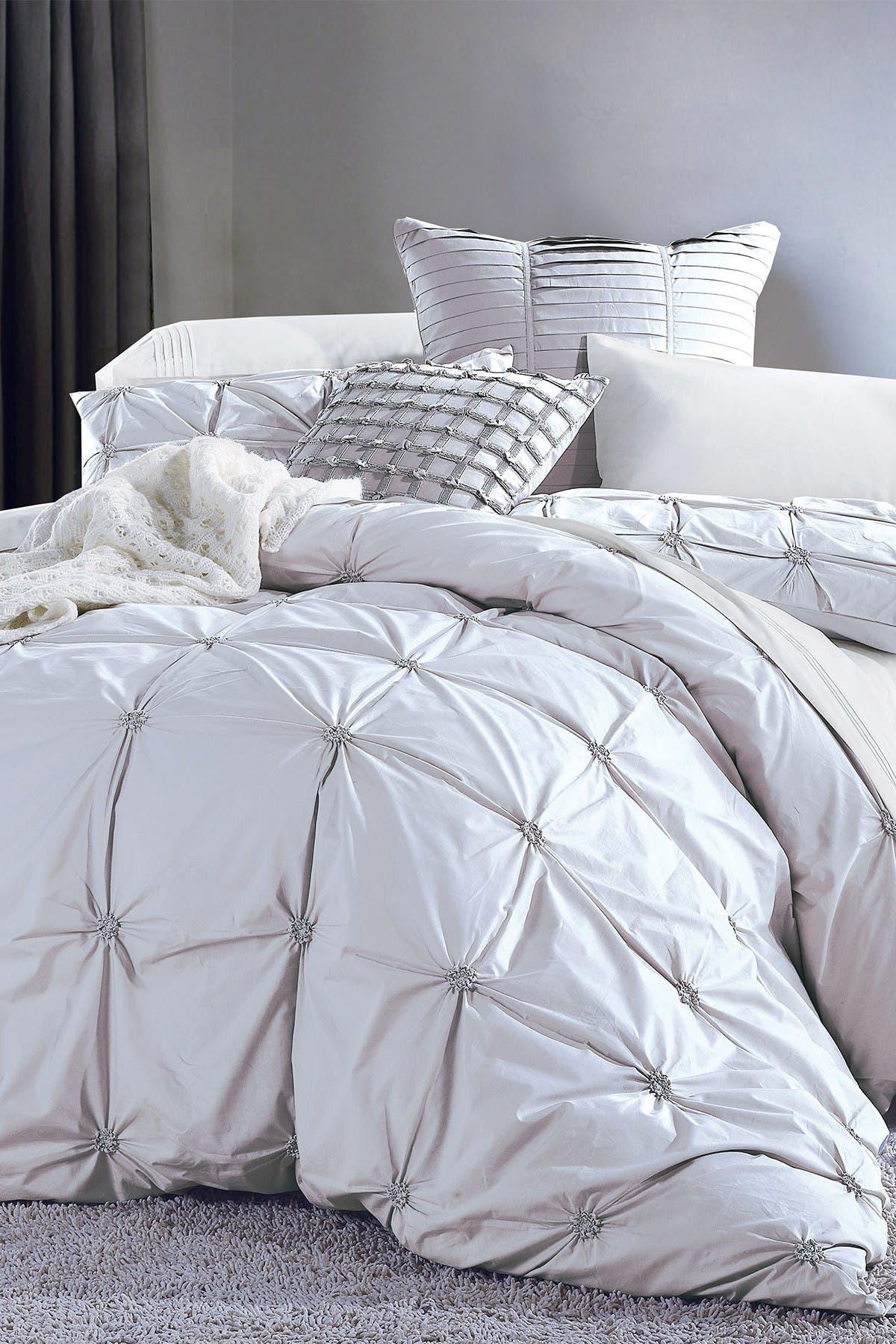 Image of Melange Home Full/Queen Epoque Embroidered Duvet 3-Piece Set - White