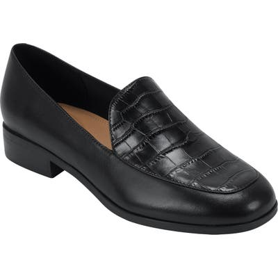 Evolve Pip Apron Toe Loafer Flat, Black