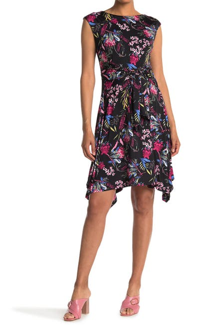 Image of Papillon Floral Round Neck Stretch Dress