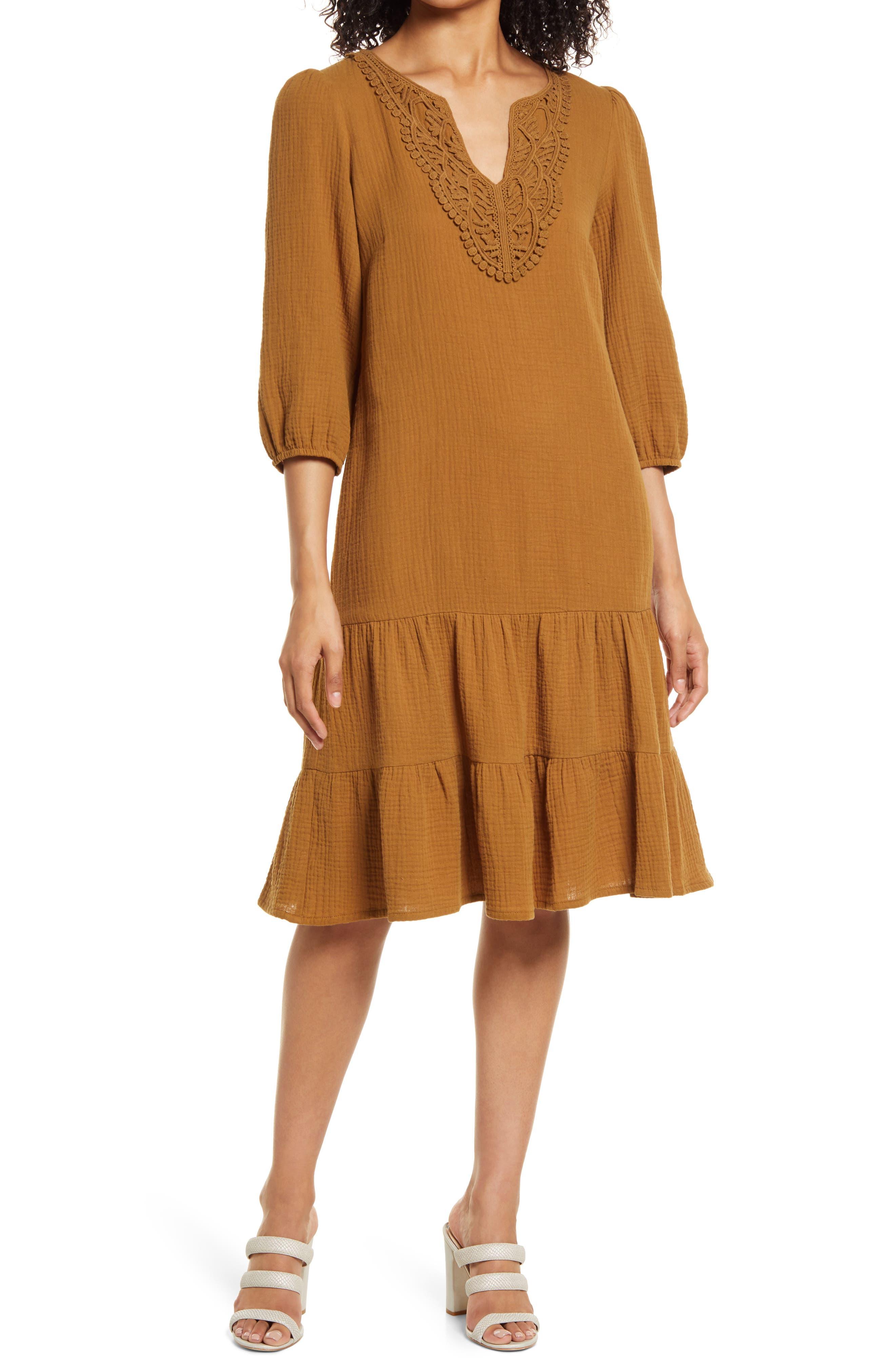 Lace Applique Neck Shift Dress