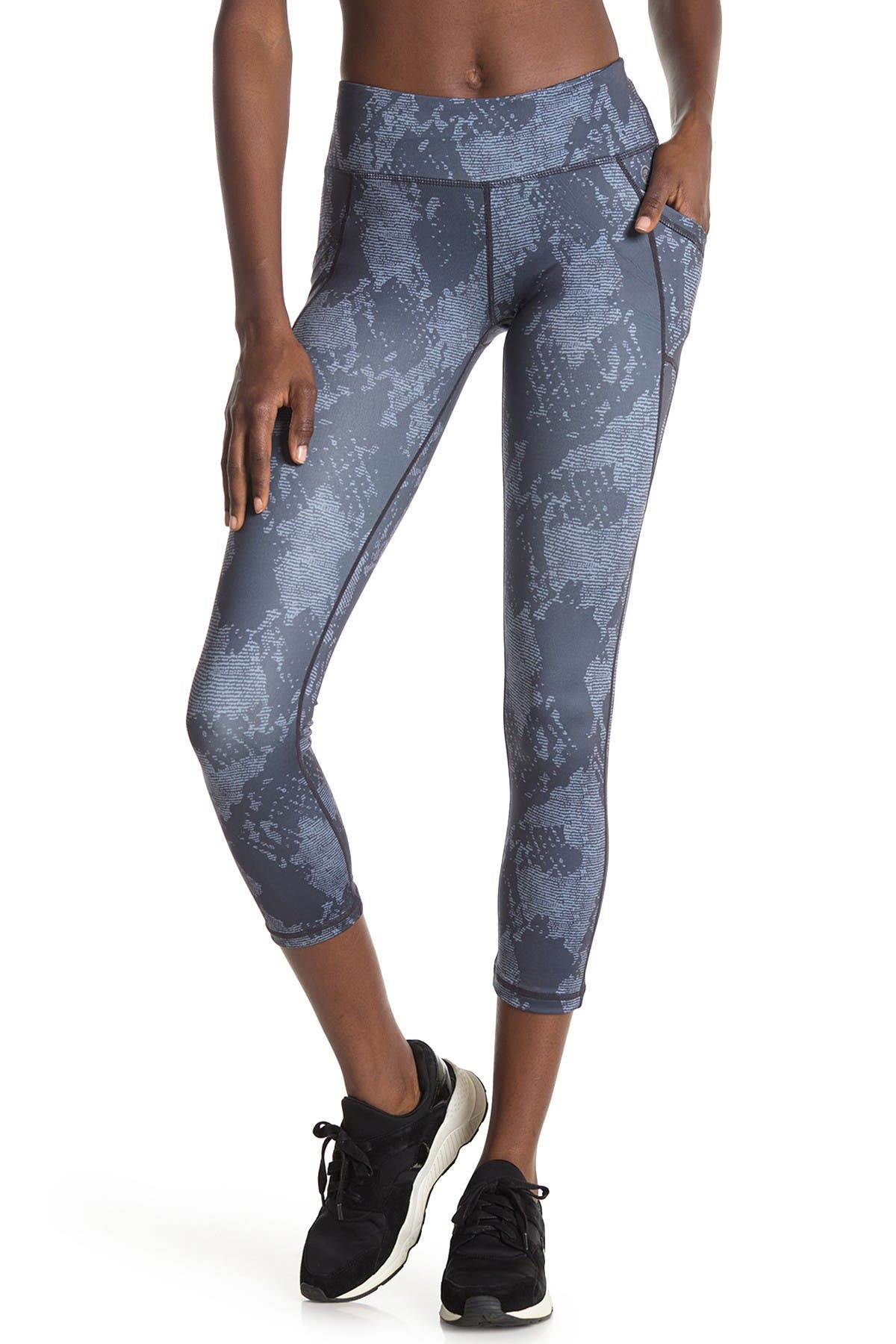 Image of Max Studio Phantom Side Pocket 7/8 Leggings