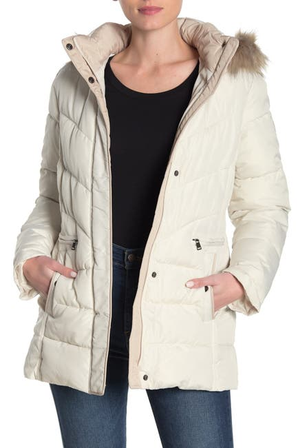 Larry Levine Womens Quilted Faux Fur Hood Coat (Ivory)