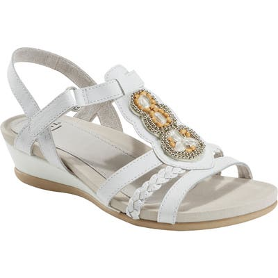 Earth Falmout Sandal- White