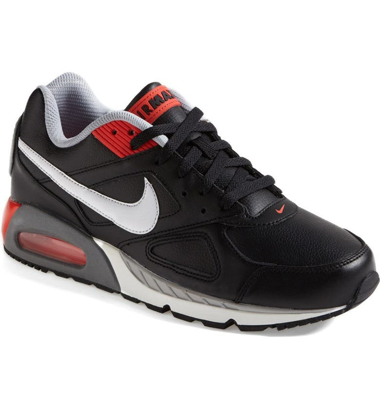 Air Max IVO Leather Shoe