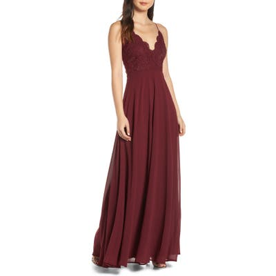 Lulus Madalyn V-Neck Lace & Chiffon Evening Dress