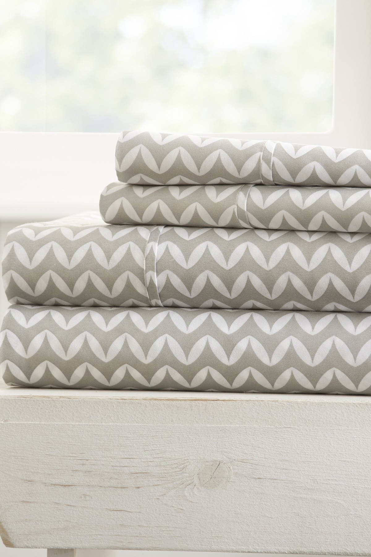 Image of IENJOY HOME The Home Spun Premium Ultra Soft Puffed Chevron Pattern 4-Piece King Bed Sheet Set - Gray
