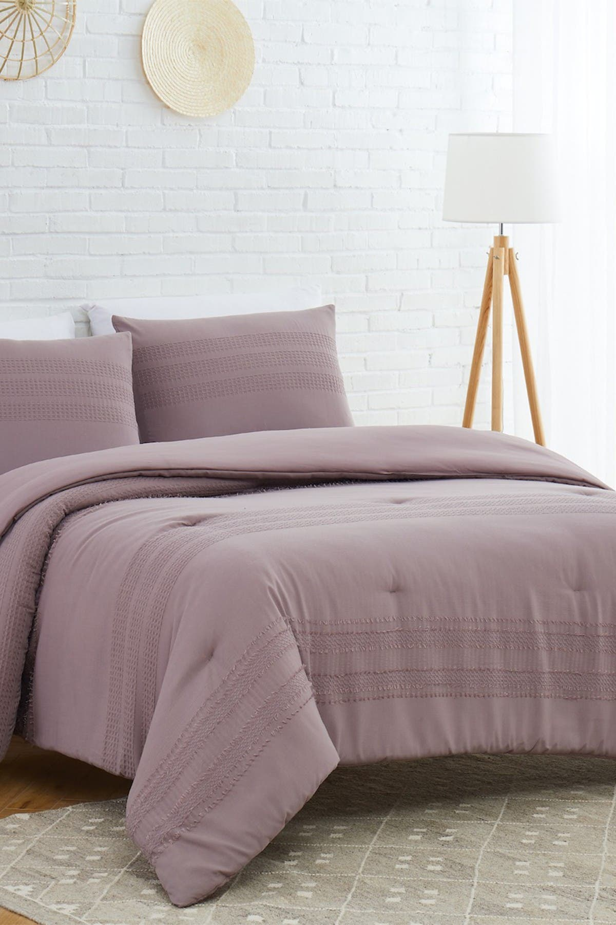 Image of Modern Threads 3-Piece Clipped Jacquard Comforter Set - King