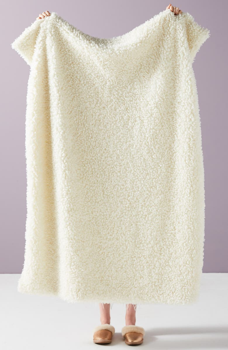 ANTHROPOLOGIE HOME Anthropologie Fuzzy Wuzzy Faux Fur Throw Blanket, Main, color, 253