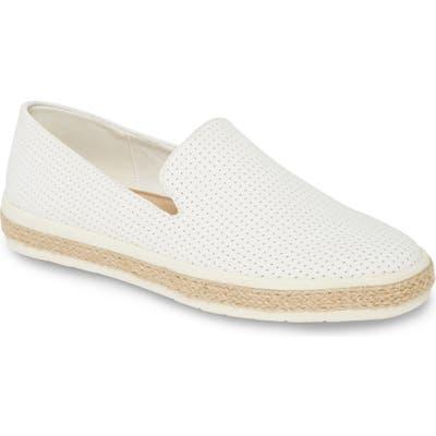 Bella Vita Brienne Ii Slip-On Sneaker- White