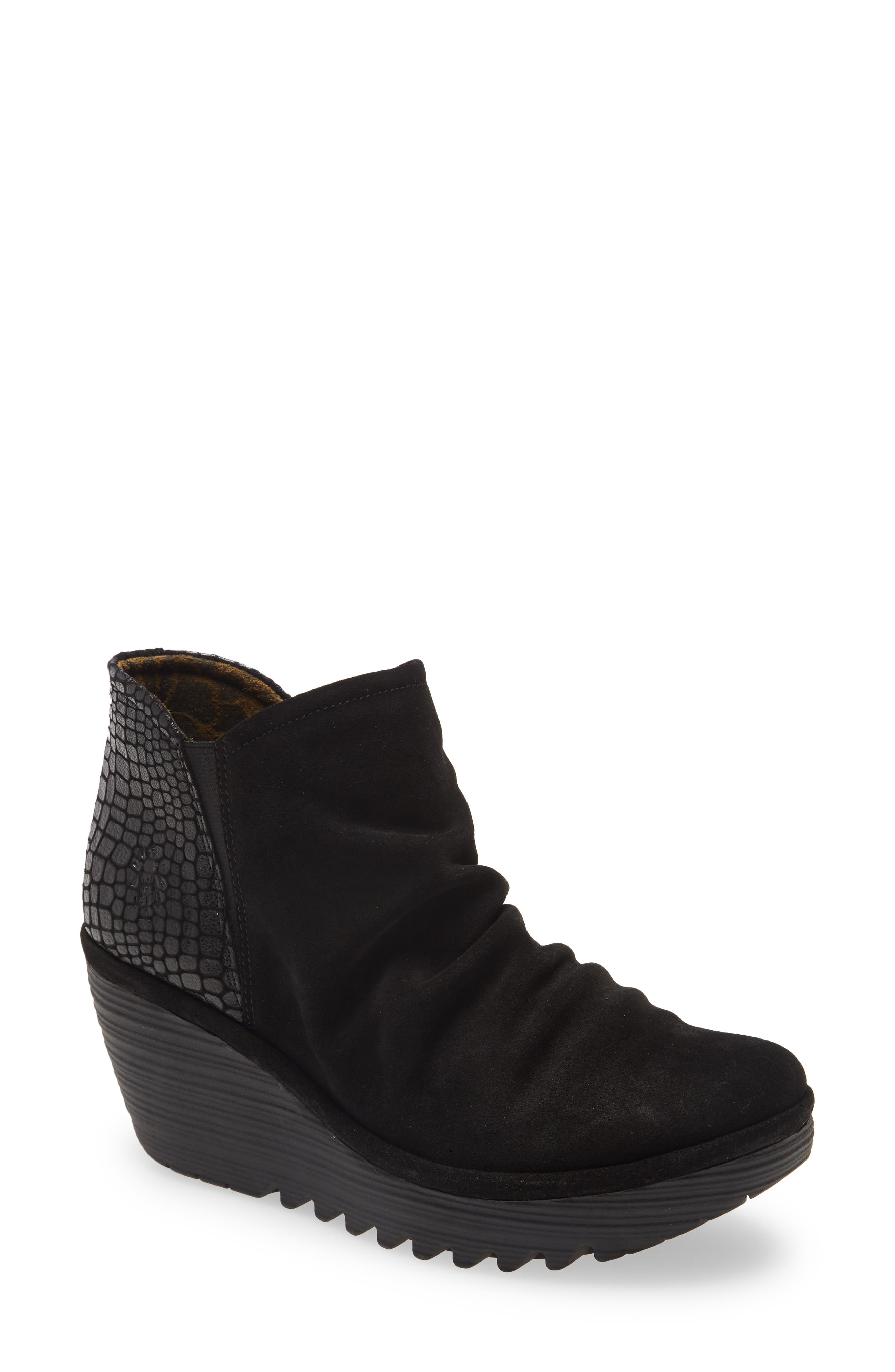 Yamy Wedge Bootie
