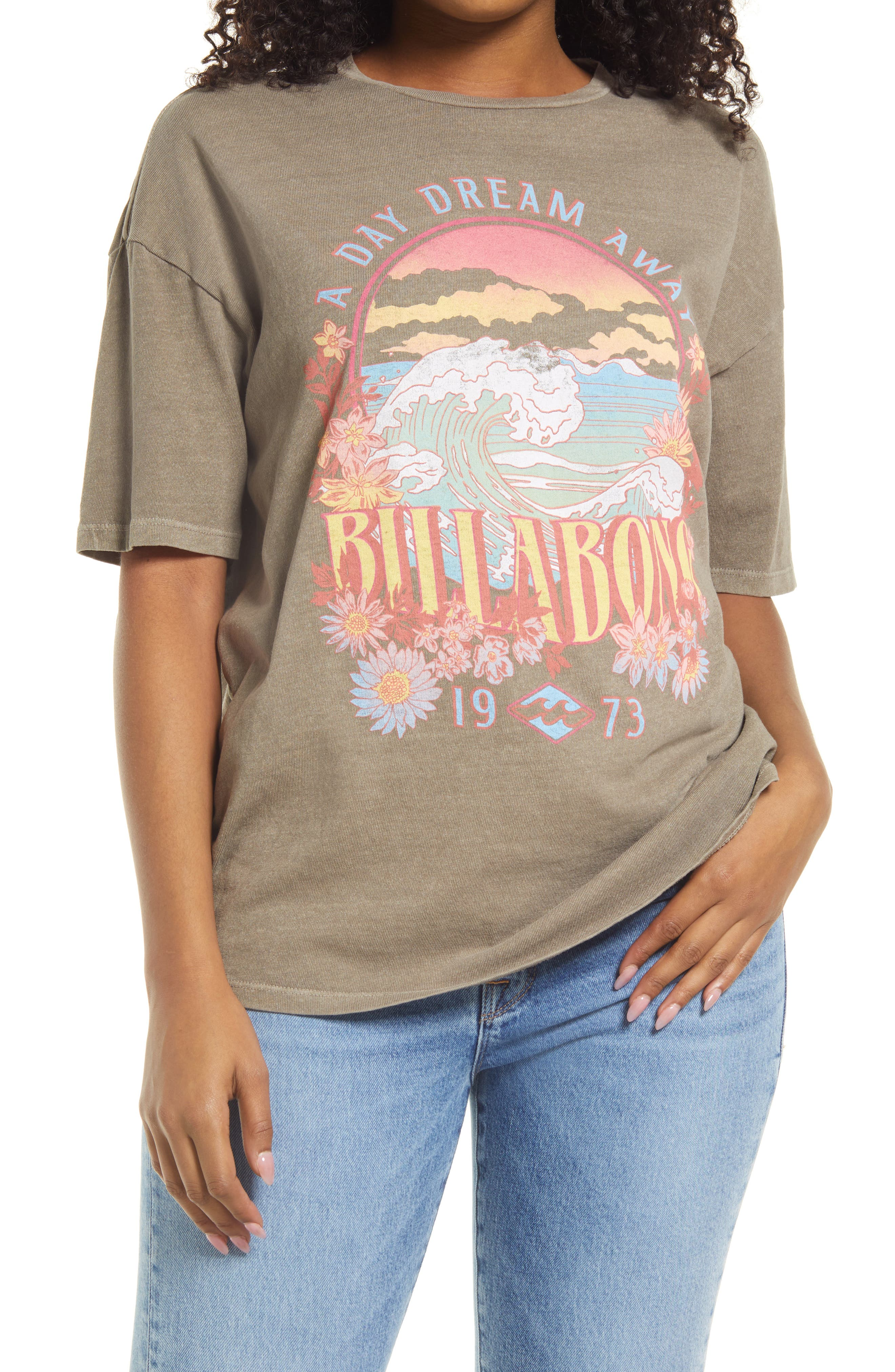 Day Dream Away Graphic Tee