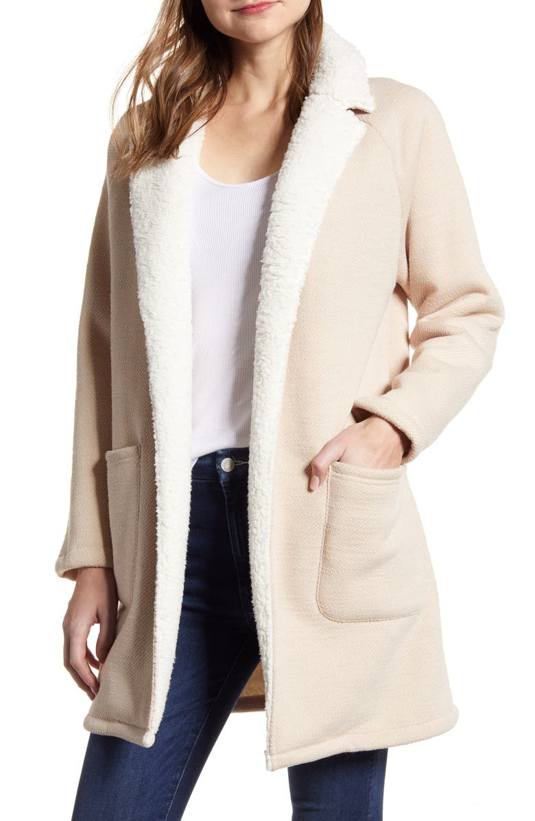 CUPCAKES AND CASHMERE cucakes and cashmere Rosie Faux Shearling Lined Cardigan, Main, color, LATTE