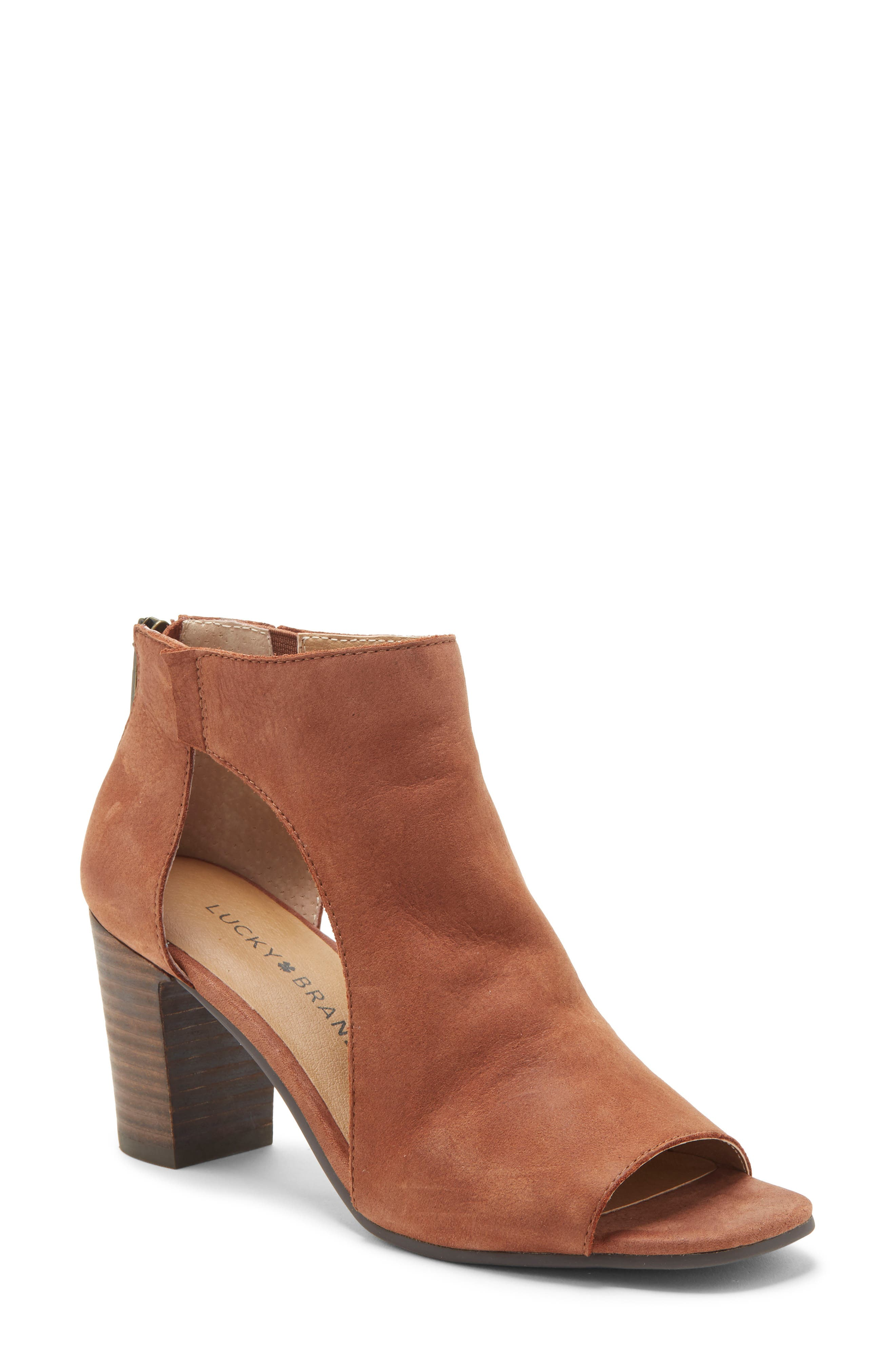 Lucky Brand Udine Shield Sandal, Beige