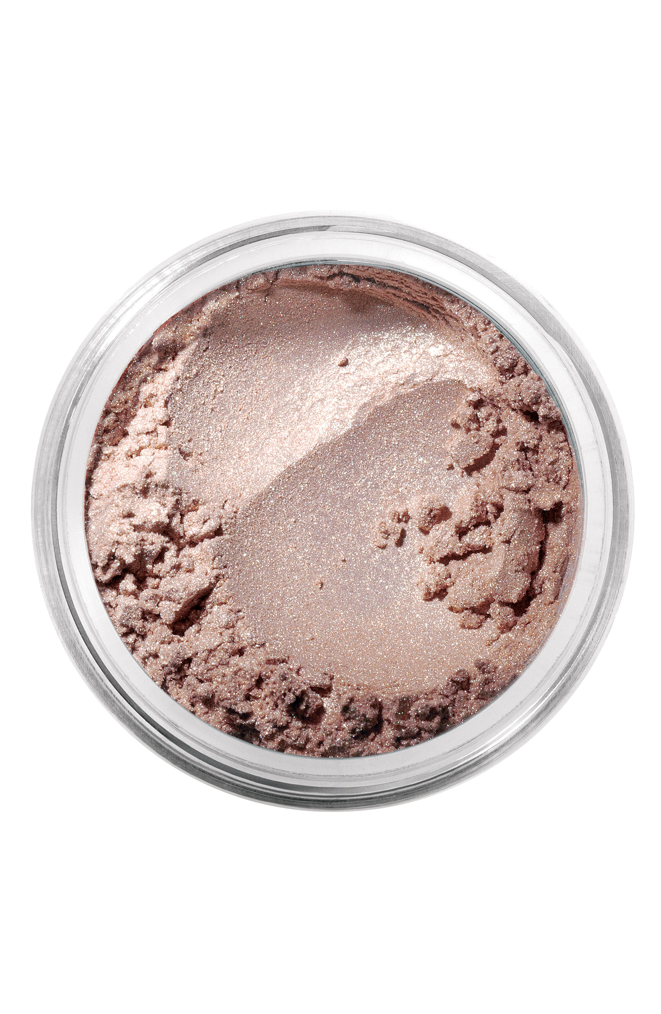 What it is: An incredibly creamy eyeshadow that\\\'s velvety smooth and unbelievably blendable. What it does: The vibrant, stay-true eyecolor won\\\'t smudge, run or fade. How to use: Tap a brush lightly into the eyeshadow and swipe it across the inside of the cap to remove any excess product. Starting at the inner corner of the lid, gently brush outward. Lightly contour your creases if desired, blending color upward and outward. Layer until you reach