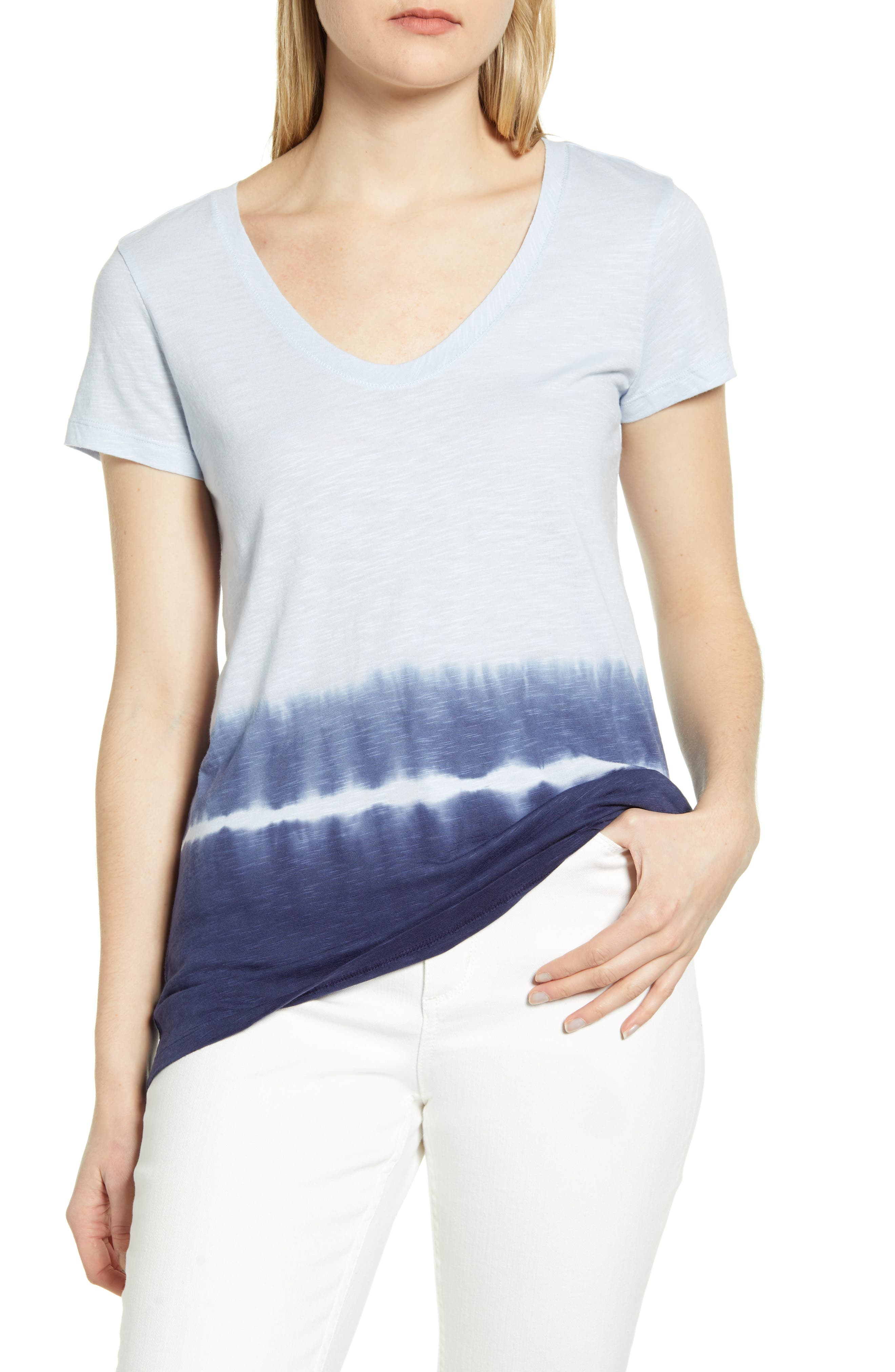 On-trend dip-dyed coloring amps the appeal of this slubbed T-shirt cut with a V-neck, short sleeves and a comfortably long length. Style Name: Caslon Dip Dye T-Shirt. Style Number: 5988189 1. Available in stores.