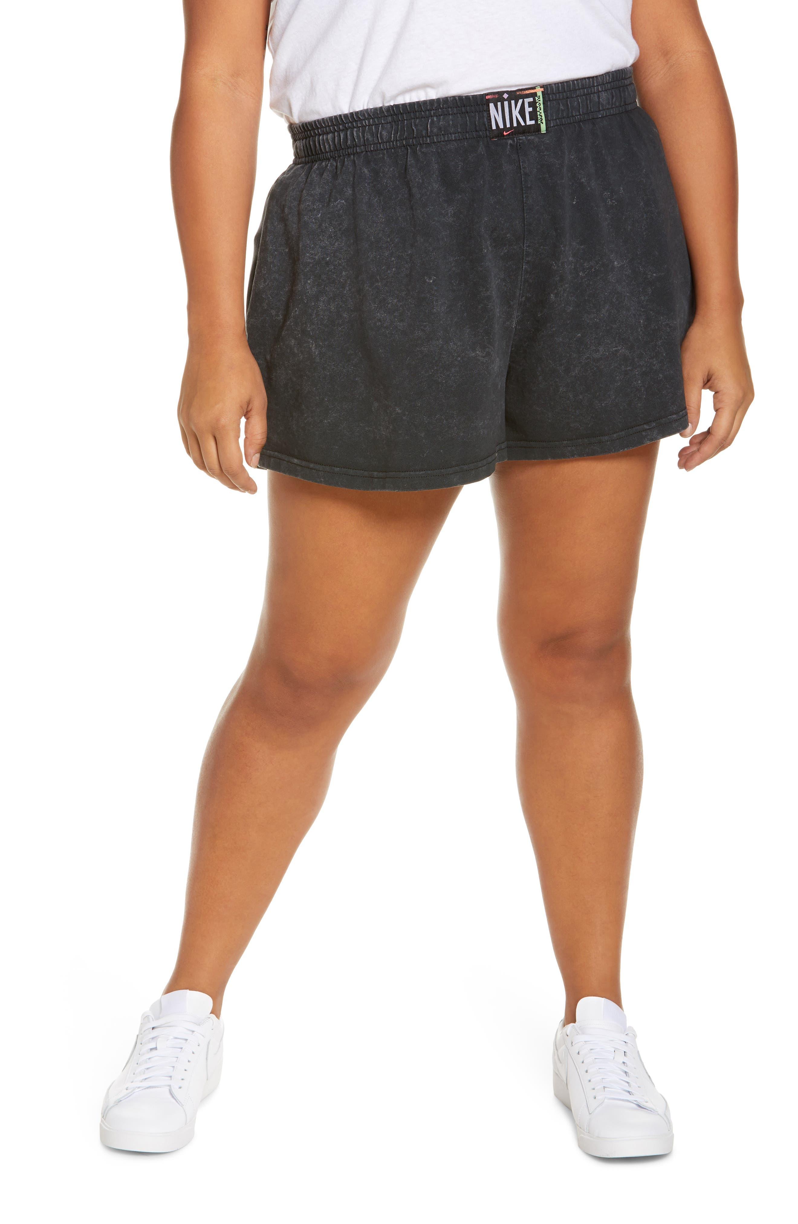 Plus Women's Nike Sportswear Wash Shorts