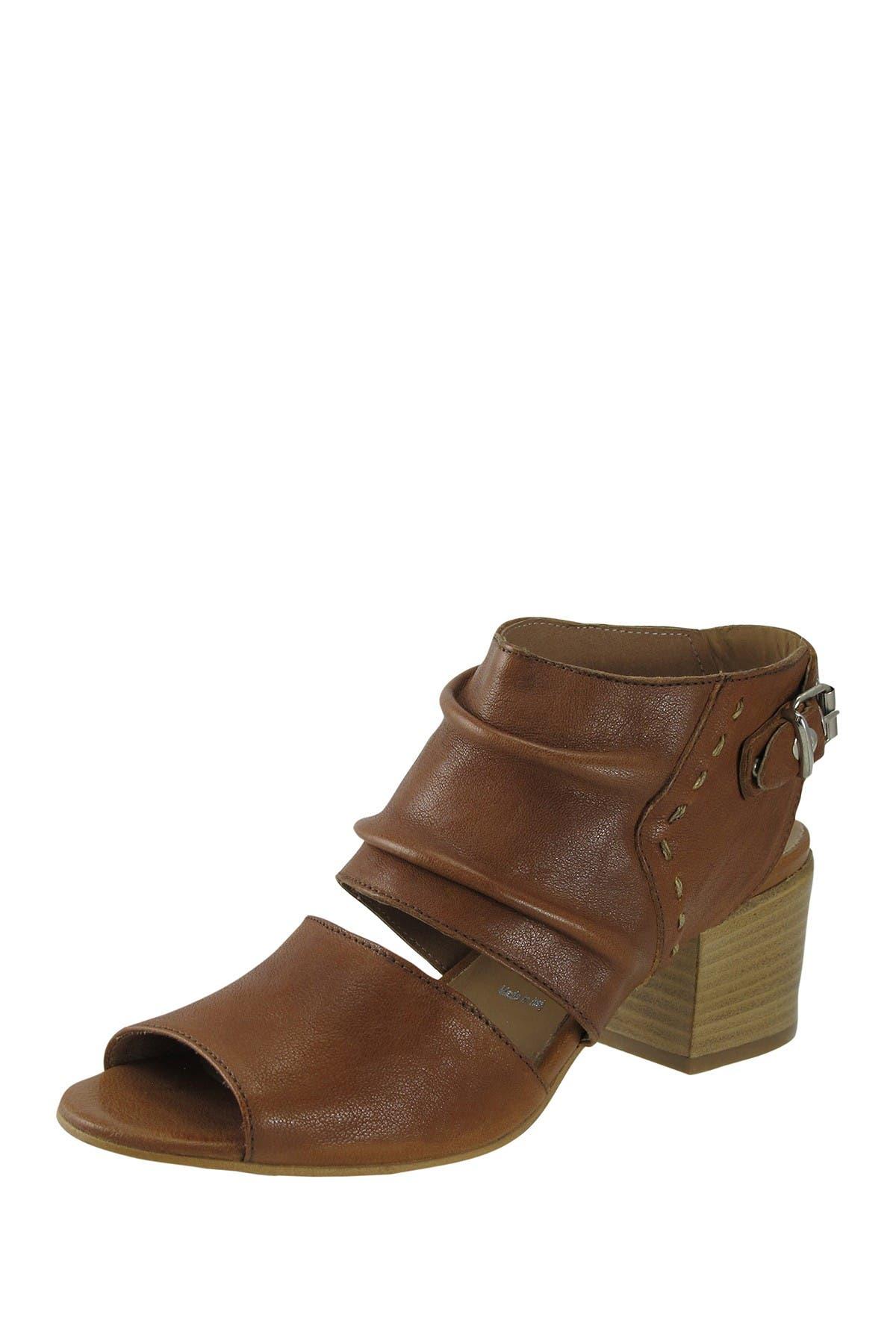 Image of RON WHITE Donatella Leather Slingback Sandal