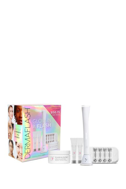 Image of DERMAFLASH Luxe: Exfoliation & Peach Fuzz Removal Device