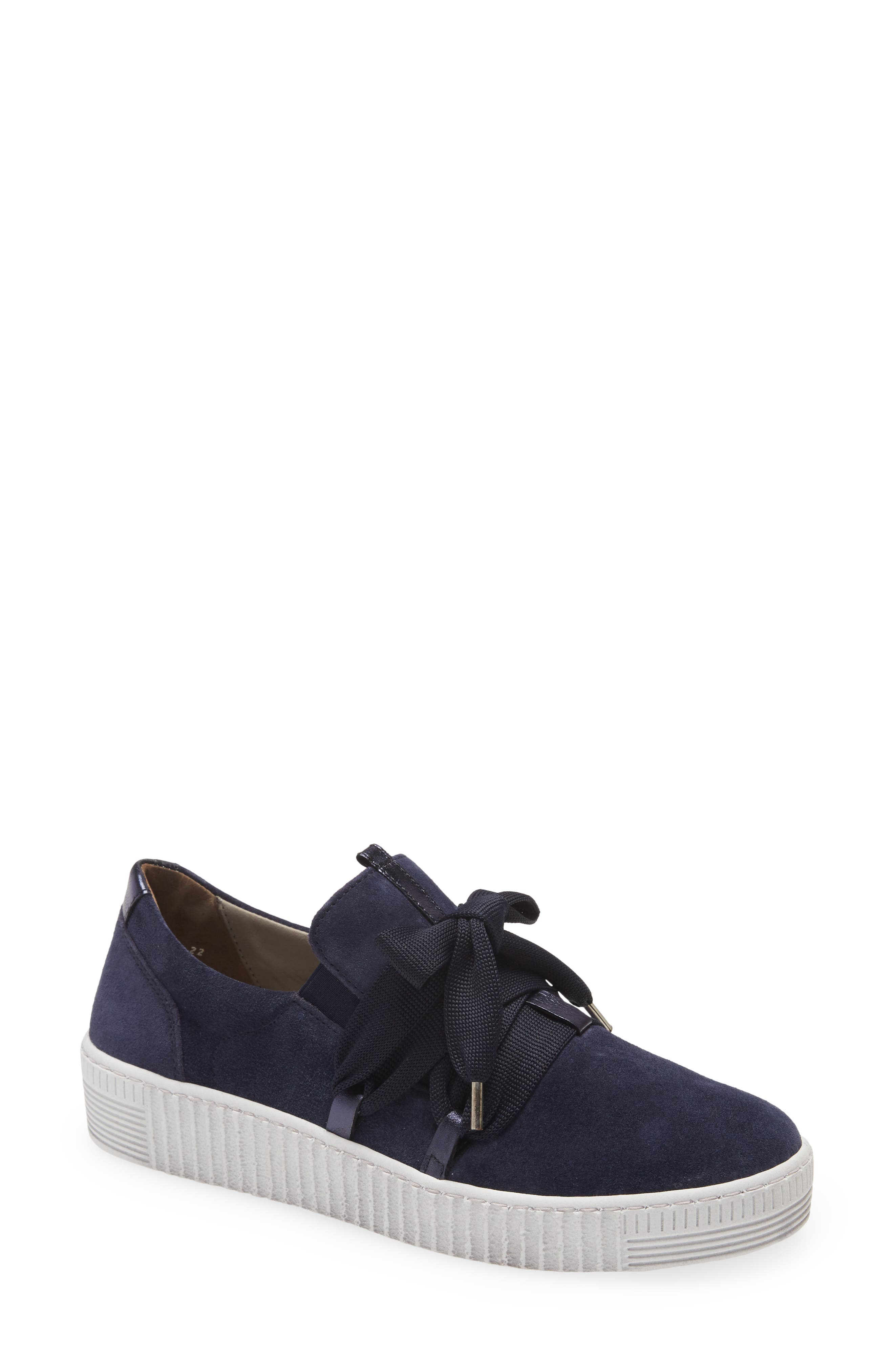 Fashion Lace-Up Sneaker